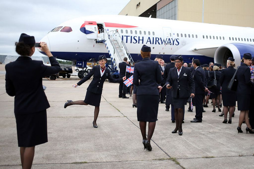 Stewardesses-pose-for-their-own-pictures-outside-the-The-new-British-Airways-Boeing-787-Dreamliner